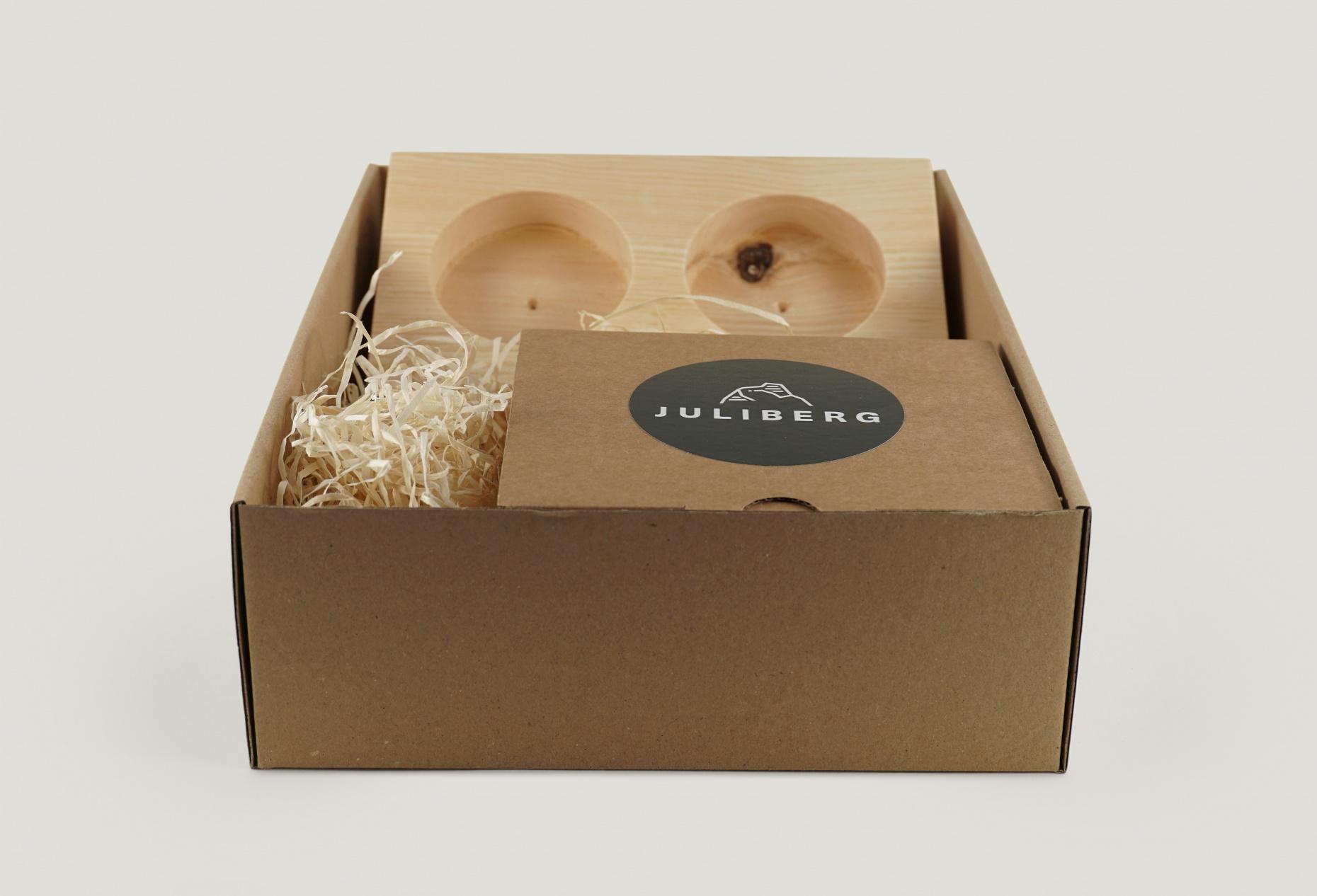 Geschenkverpackung Premium mit Schleifenband und Stern - offen